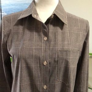 NWT:  Lysse button down shirt size small (4-6)